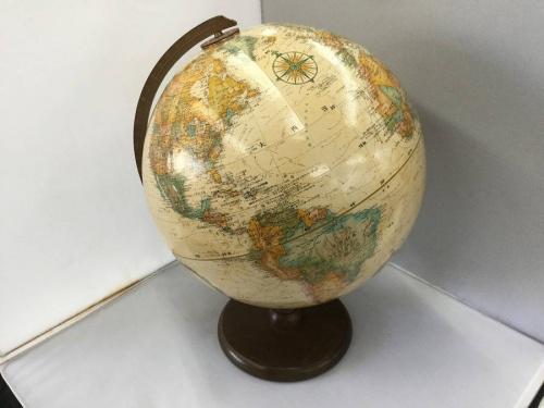 アンティークの地球儀
