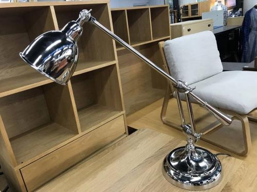 照明のスタンド照明 TT1164 Iron Guardee table lamp
