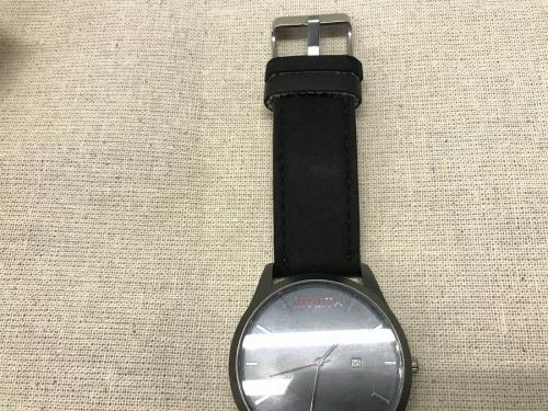腕時計のMVMT