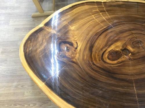 テーブルの一枚板ローテーブル