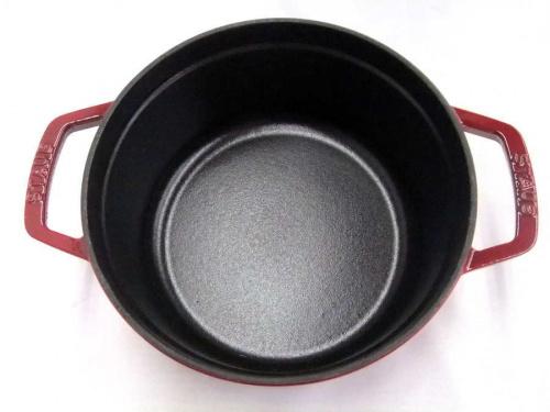 両手鍋のSTAUB