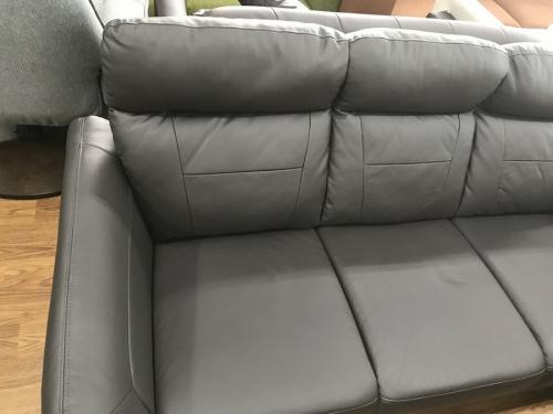ソファーのハイバックソファ
