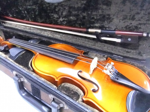 musikinstrumenの浦和3店舗中古楽器情報