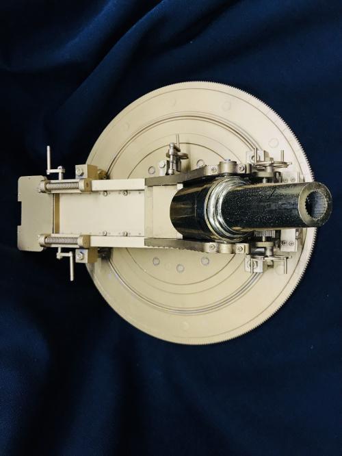 模型の28糎(サンチ)榴弾砲