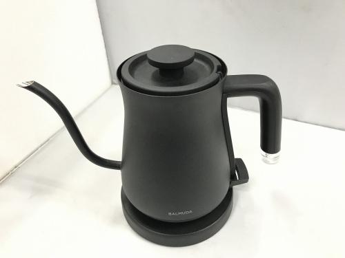 キッチン家電の電気ポット