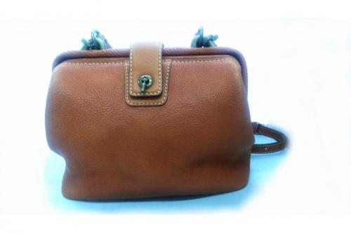 浦和 バッグのミニショルダーバッグ