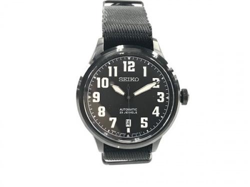 腕時計のNANO UNIVERSE