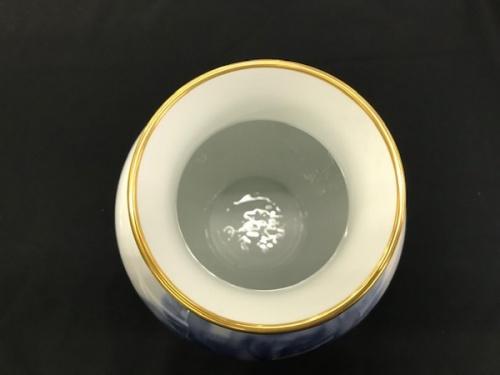 ブルーローズの花瓶