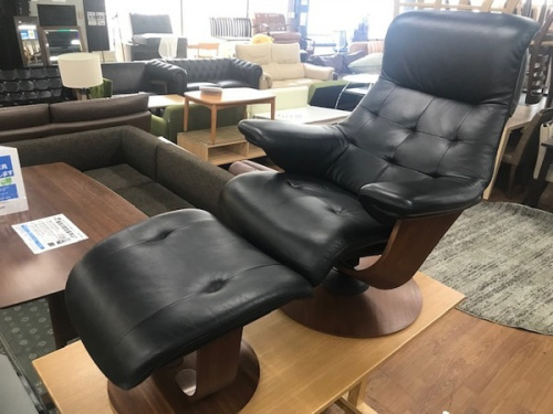 家具のソファ