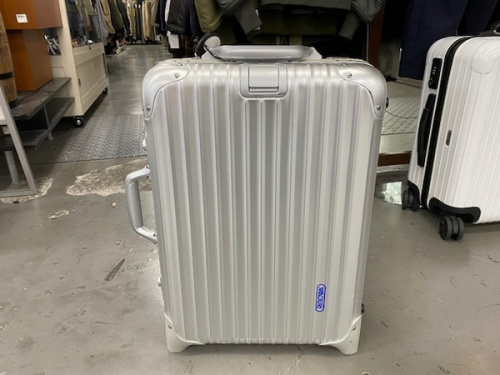 スーツケースのトラベル用品