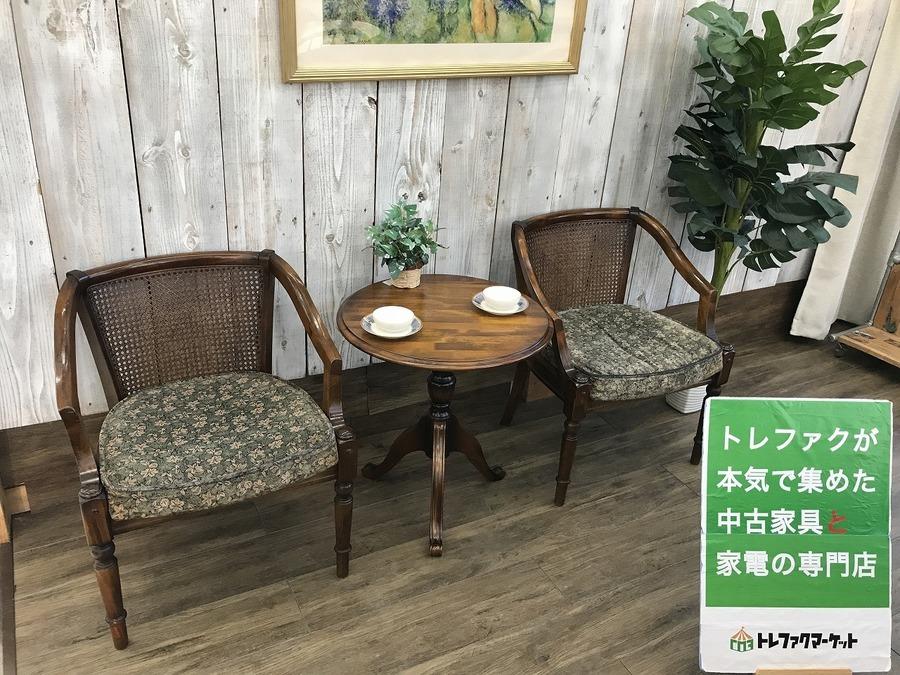 【Karimoku(カリモク)】アンティークデザインの肘掛椅子(コロニアル)が2脚入荷しました! 【トレファクマーケット千葉おゆみ野店】