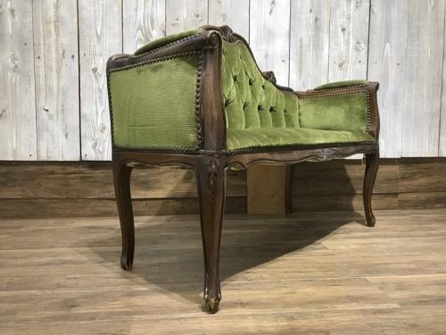 ベンチのソファ