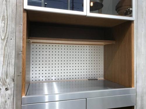 UNICOのカップボード・食器棚