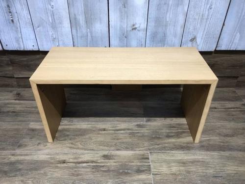 テーブルのシェルフ