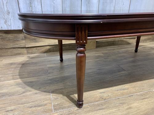 マルニ木工のテーブル