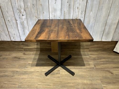 市原 中古 家具のテーブル