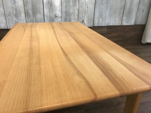 中古 カリモクのリビングテーブル