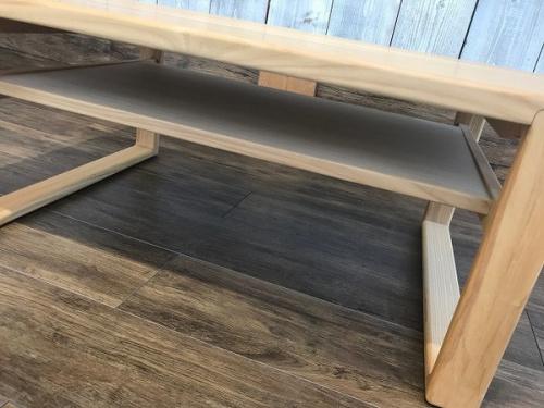 リビングテーブルのローテーブル