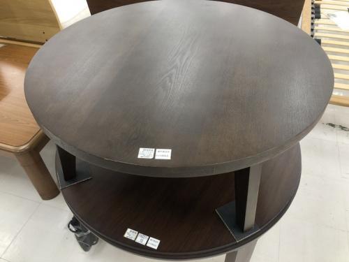テーブルの冬物家電