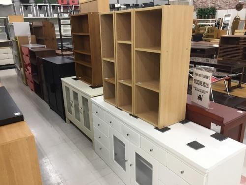 本棚の収納家具