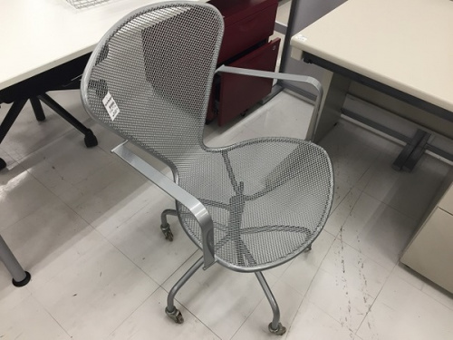 オフィス家具のワークチェア