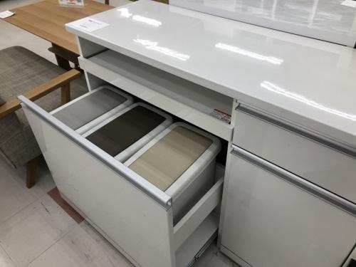 カップボードのキッチンカウンター
