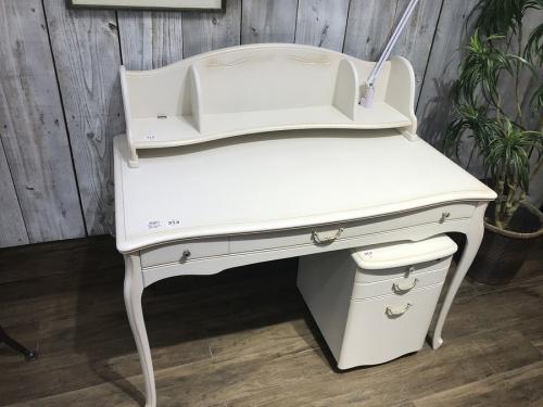 中古家具の学習机