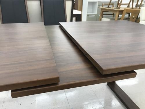シギヤマのダイニングテーブル