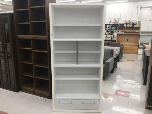 中古家具の本棚