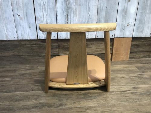 座椅子のチェア