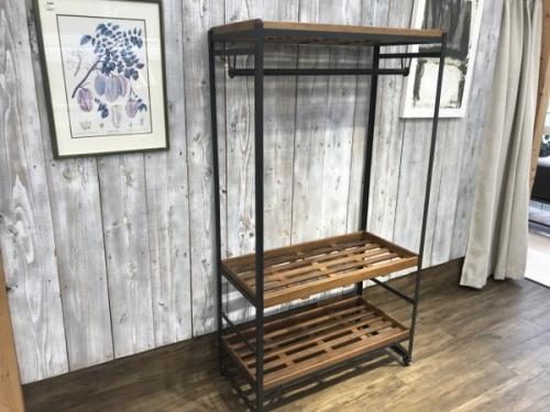 中古家具のインダストリアル