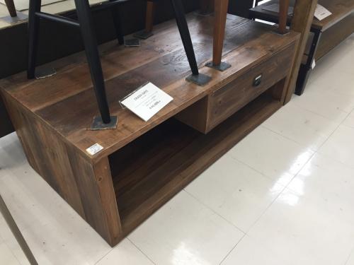 インダストリアル 家具のインダストリアル