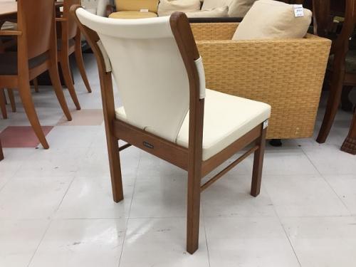 特選家具のマルニ木工