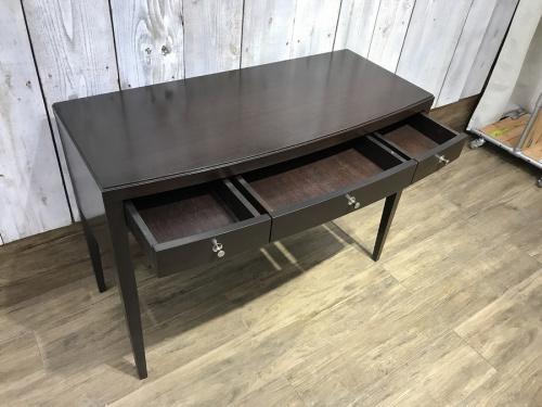机 中古のコンソールテーブル
