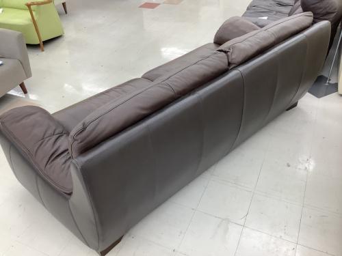 3人掛けソファーのダークブラウン