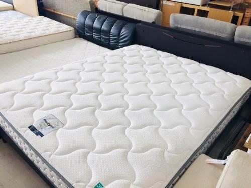 家具のベッド ダブル