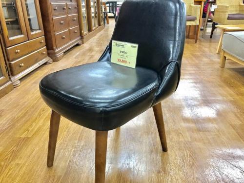 椅子のウニコ(UNICO)