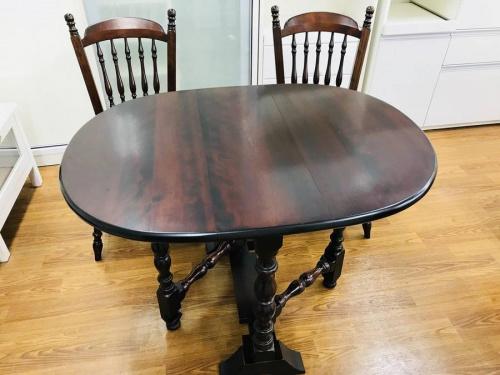 家具のテーブル・イス