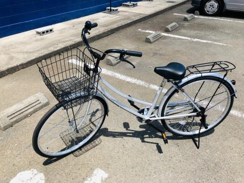 スポーツ用品の自転車 ママチャリ