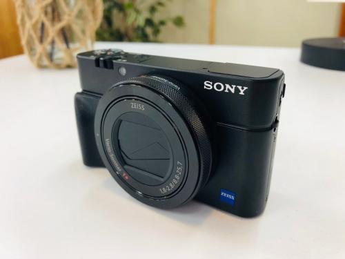 カメラ コンパクトデジタルカメラのSONY ソニー