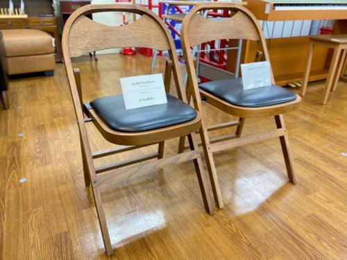 チェアのACME Furniture(アクメファニチャー)