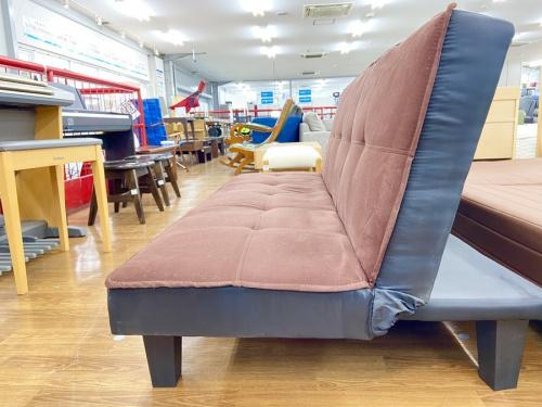 ソファーベッドのパープル