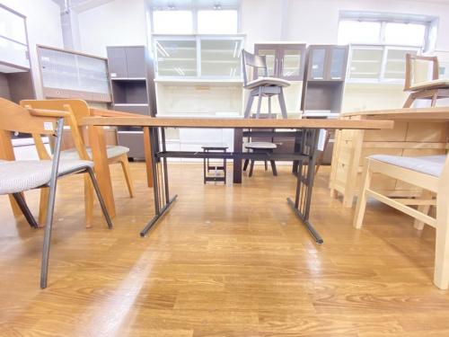 ダイニングテーブルの関家具