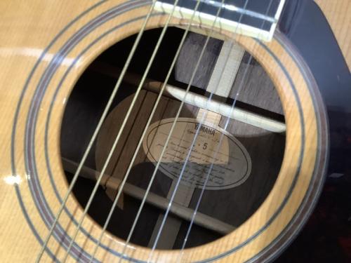 アコースティックギターのヤマハ