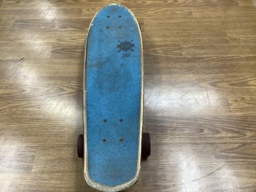 スケートボードのGLOBE UNITED BY FATE