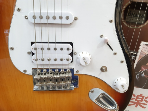 BUSKER'S BST-3TSの中古 ギター