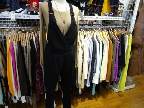 レディースファッションのサロペット
