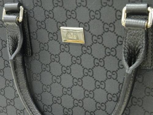 ブランド・ラグジュアリーのビジネスバッグ