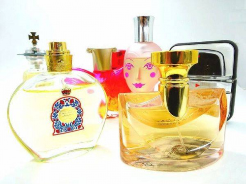 レディースファッションの香水