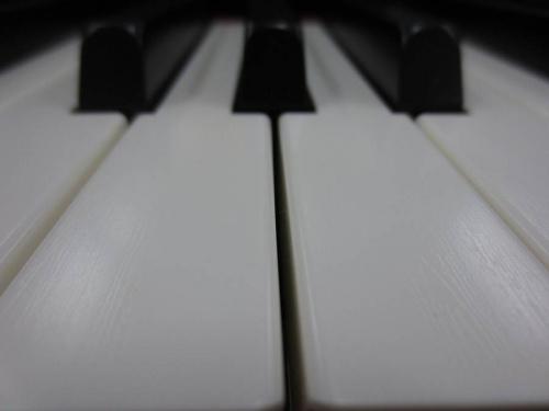 電子ピアノの関西